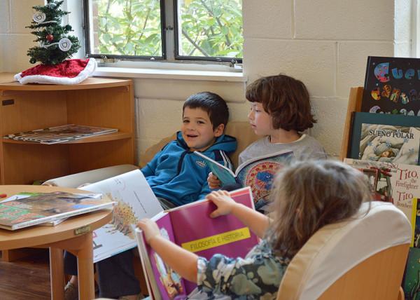 watacad_Children-Reading